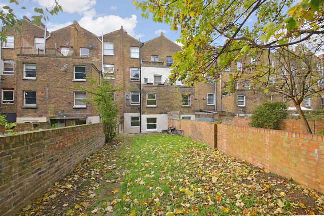 3 bed flat for sale in Kilburn Park Road, London