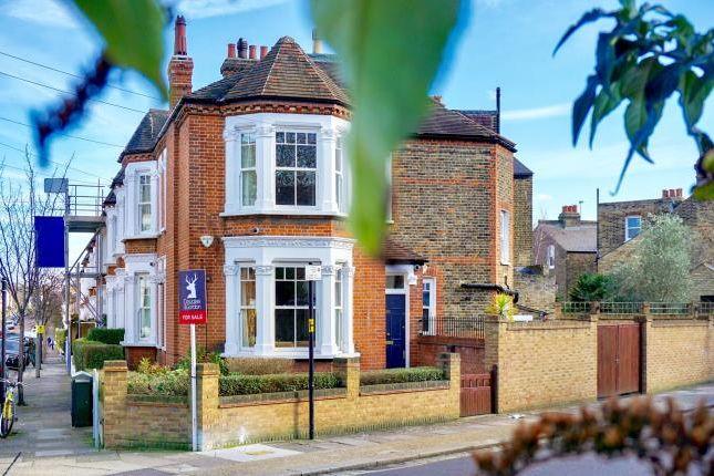 Thumbnail Terraced house for sale in Ravenslea Road, London