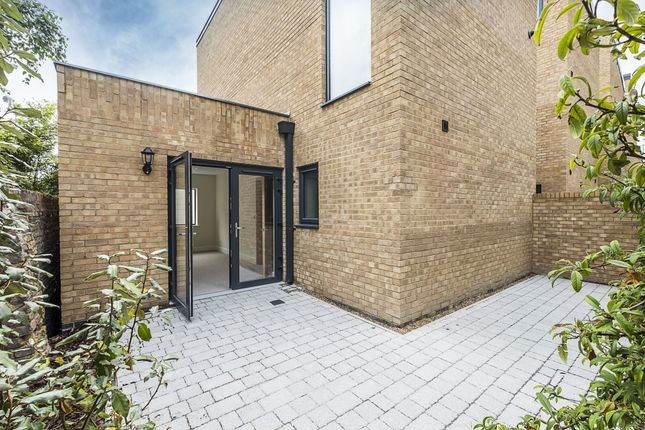 Thumbnail End terrace house to rent in Thorncliffe Road, London