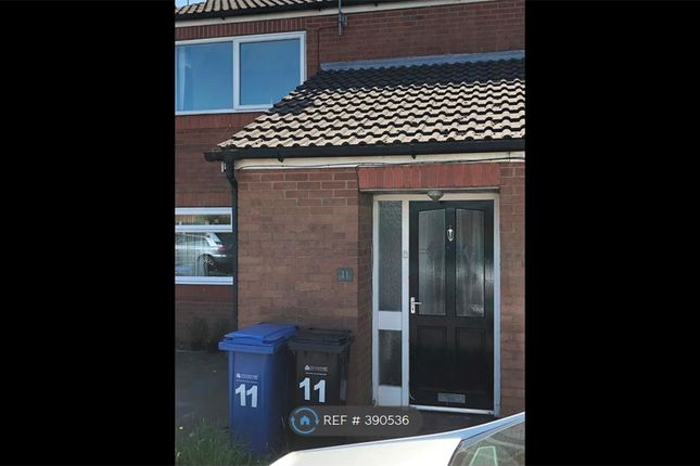 Thumbnail Flat to rent in Birchall Green, Woodley, Stockport