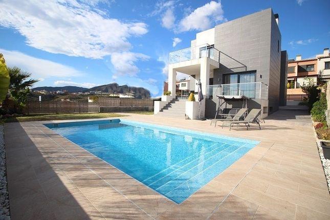 4 bed villa for sale in Torre Del Mar, Málaga, Spain
