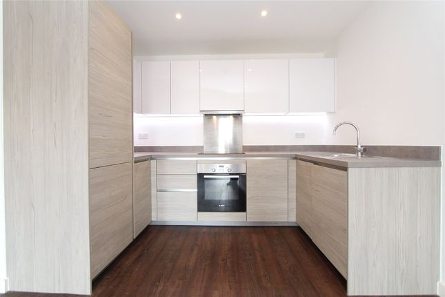 1 bed flat to rent in Royal Court, Howard Road, Stanmore HA7