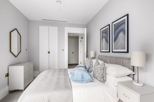 Thumbnail Flat for sale in Tunley Road, Balham, London