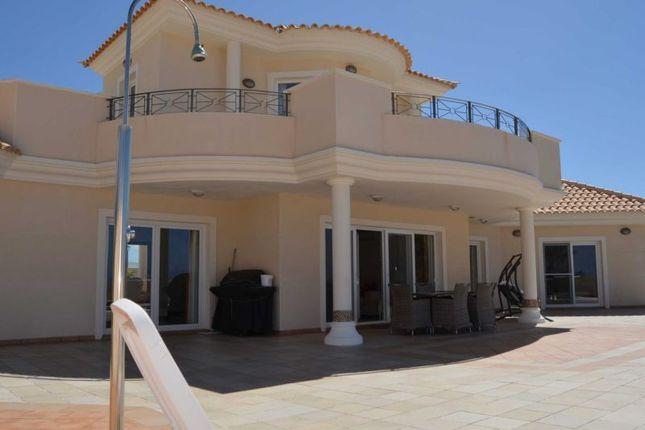 Thumbnail Villa for sale in Playa Paraiso, Tenerife, Spain
