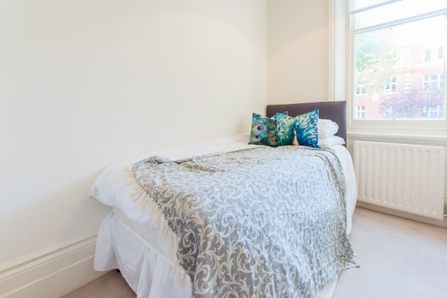Room to rent in Randolph Avenue, St Johns Wood, Central London