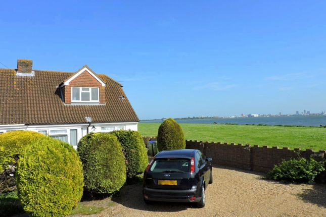 Thumbnail Room to rent in Lonsdale Avenue, Fareham