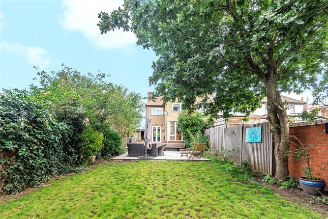 Picture No. 10 of Lyndhurst Avenue, Pinner, Middlesex HA5