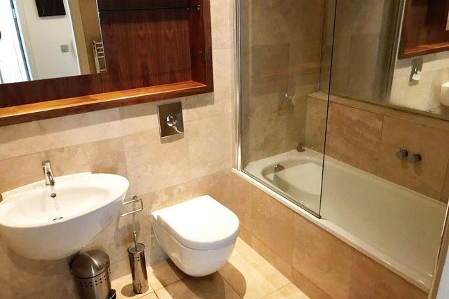 Bathroom of City Loft, The Quays, Salford Quays M50