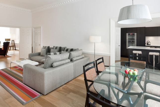 Thumbnail Flat to rent in Brick Street, London
