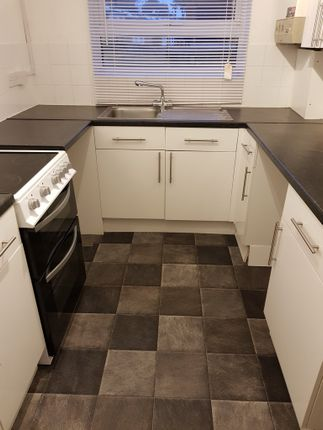 Thumbnail Flat to rent in Orchard Grove, Orpington