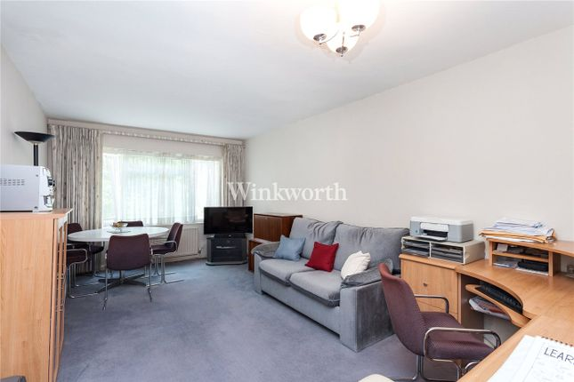 Picture No. 09 of Sunningfields Road, London NW4