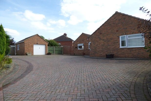 Thumbnail Bungalow to rent in Victoria Road, Warminster