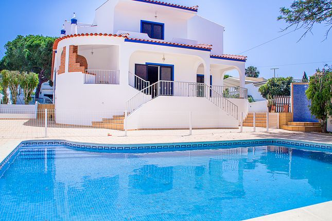 4 bed villa for sale in Rua Das Rosas, Montenegro, Faro, East Algarve, Portugal
