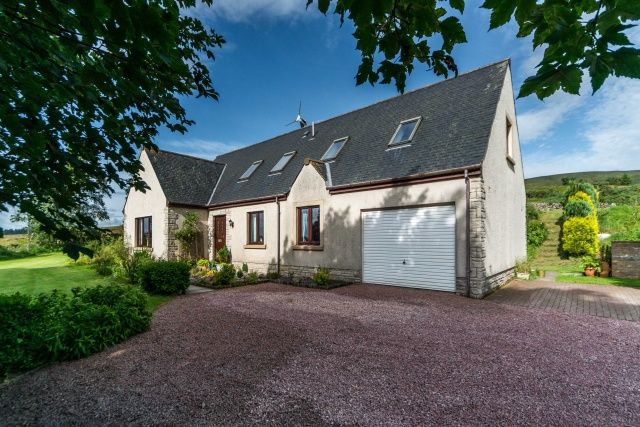 Thumbnail Detached house for sale in Hazlieburn, West Linton, Borders