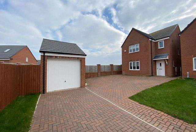 3 bed detached house to rent in Almond Close, Lytham St. Annes FY8