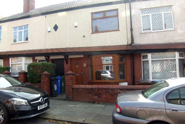 Thumbnail Terraced house for sale in Grosvenor Road, Hyde