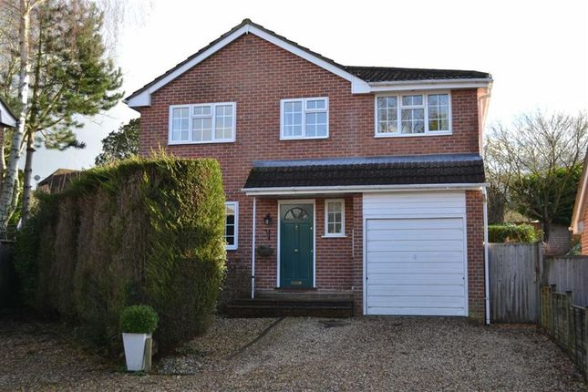 4 bedroom detached house for sale in Harwood Rise, Woolton Hill, Woolton Hill, Berkshire