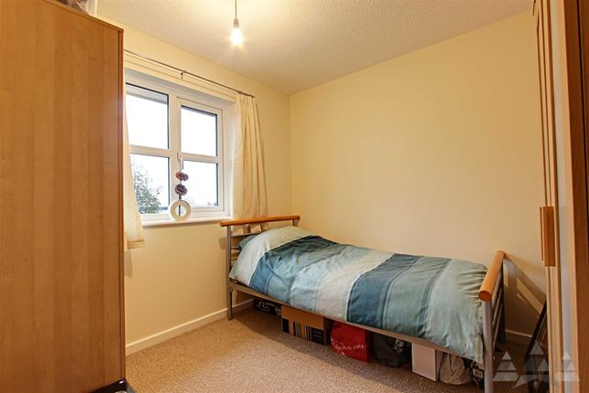 Bedroom 2 of Loxley Drive, Mansfield NG18
