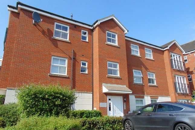 Thumbnail Flat to rent in Hazelwick Mews, Crawley