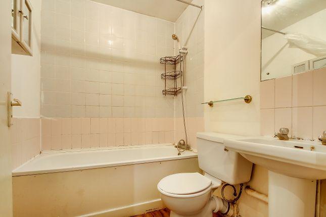 Bathroom of Maybank Avenue, Sudbury, Wembley HA0