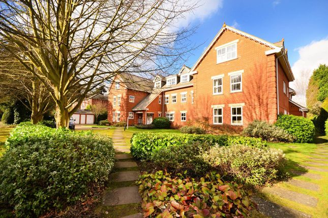 Flat to rent in Broomhall Road, Horsell, Woking