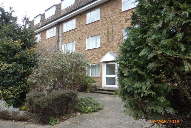 Thumbnail Flat to rent in Beverley Way, Raynes Park