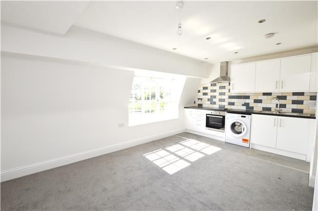 Thumbnail Flat to rent in Purley Road, Purley, Surrey