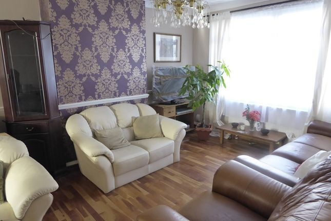 Thumbnail Terraced house for sale in Hadley Road, Mitcham