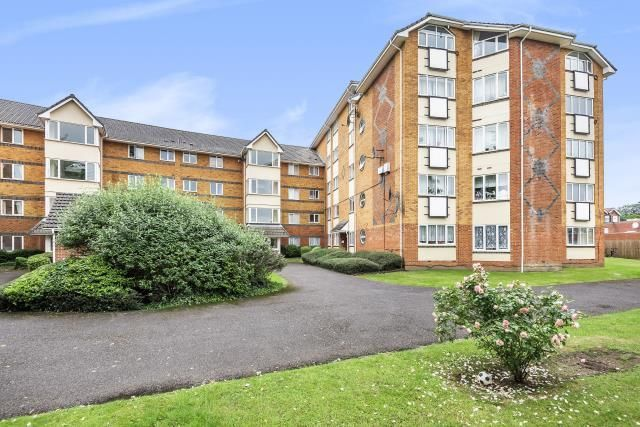 Block of flats for sale in Reading, Berkshire