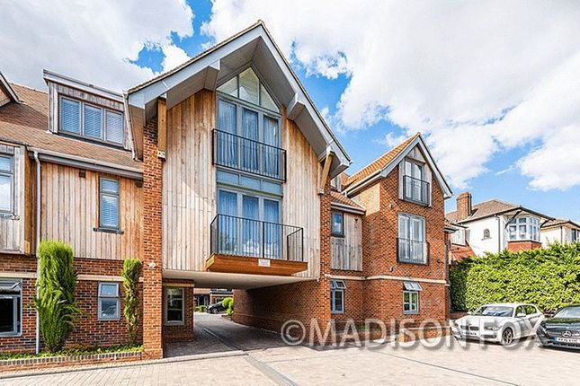 Thumbnail Flat for sale in Manor Hall, Chigwell IG7.