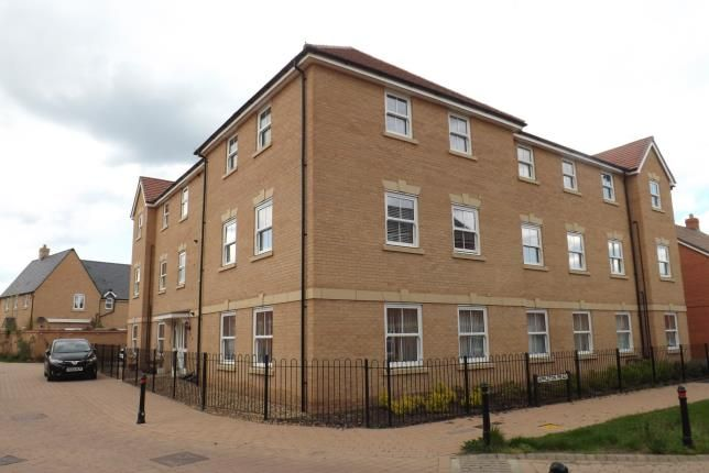 Thumbnail Flat for sale in Sanger Avenue, Biggleswade, Bedfordshire