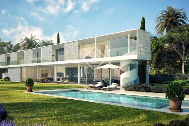 Thumbnail Villa for sale in Spain, Costa Del Sol, Marbella, Estepona, Mrb8625