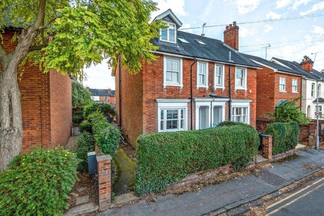 Thumbnail Semi-detached house for sale in Eastern Avenue, Reading