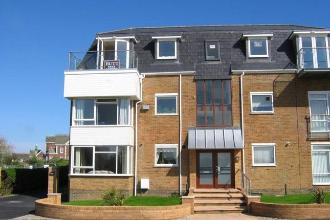 2 bed flat to rent in Hendon Avenue, Rustington, West Sussex