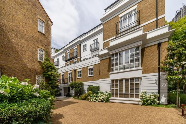 Thumbnail 3 bed flat to rent in Abbots Walk, London