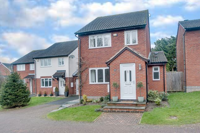 Thumbnail Detached house for sale in Underwood Close, Callow Hill, Redditch