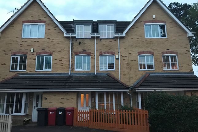 Thumbnail Town house to rent in Broomfield Gate, Slough