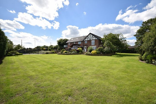 Thumbnail Detached house for sale in Painthorpe Lane, Crigglestone, Wakefield