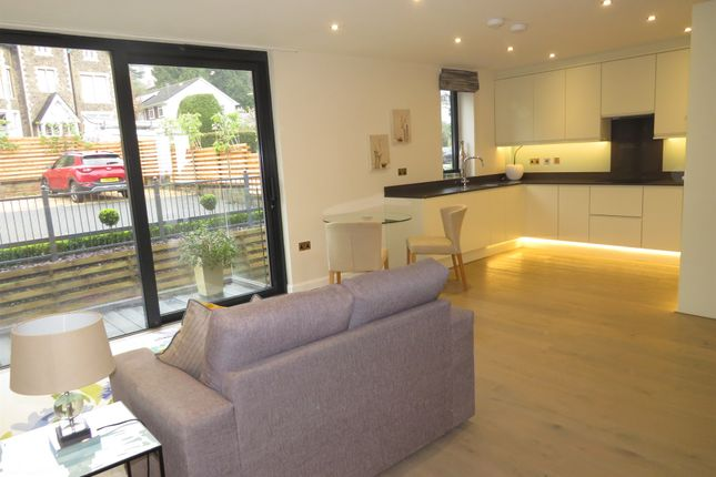 Thumbnail Flat for sale in Victoria Road, Malvern
