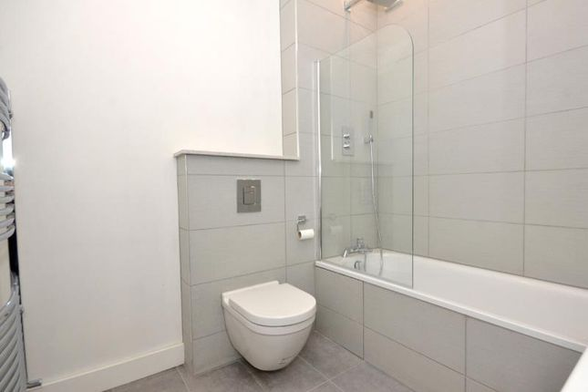 Bathroom A of Northbrook Road, London N22