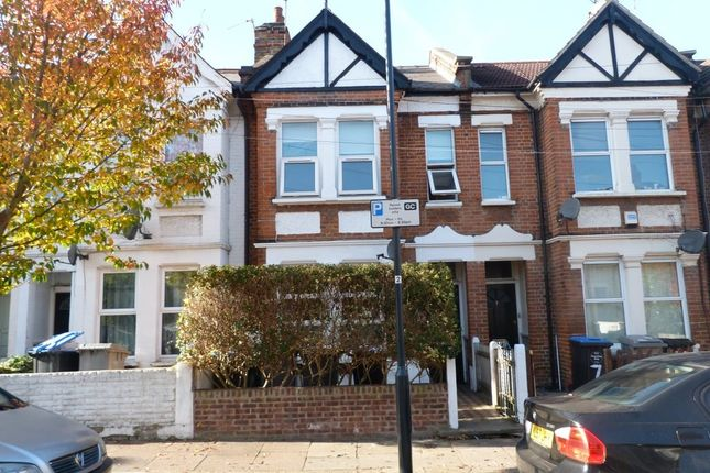 Thumbnail Flat to rent in Windsor Road, Willesden, London