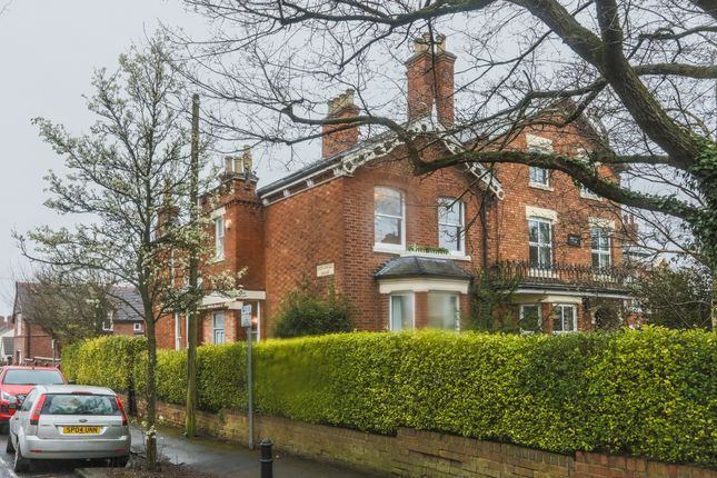 Thumbnail Town house for sale in Rockingham House 111A Clifton Road, Rugby
