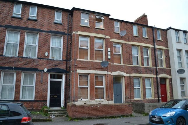 Thumbnail Flat to rent in 3, 27 Lawrence Street, Belfast