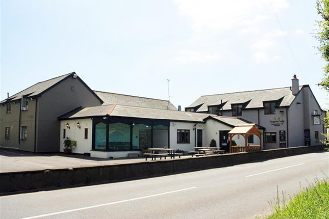 Thumbnail Pub/bar for sale in Llangeview, Usk