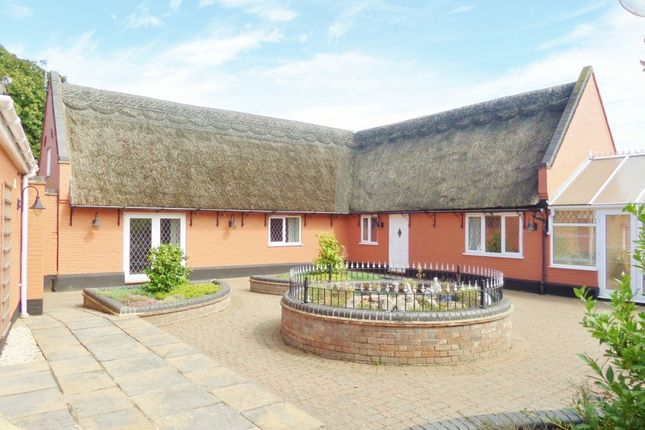 Thumbnail Cottage for sale in Yarmouth Road, Hemsby, Great Yarmouth
