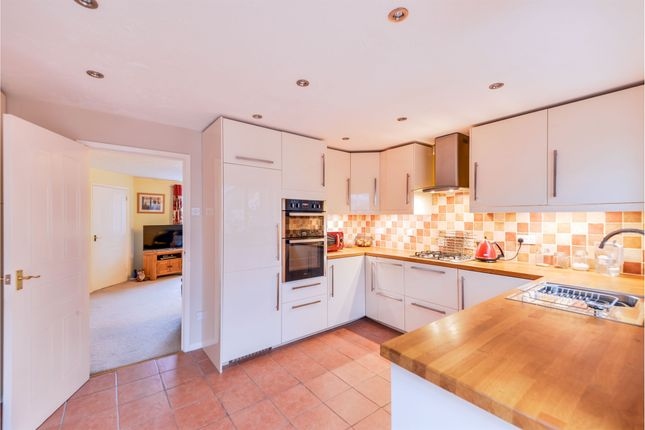 Thumbnail Town house for sale in Firecrest Way, Nottingham