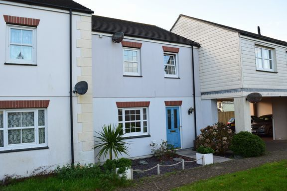 Thumbnail Terraced house for sale in Chyandour, Redruth