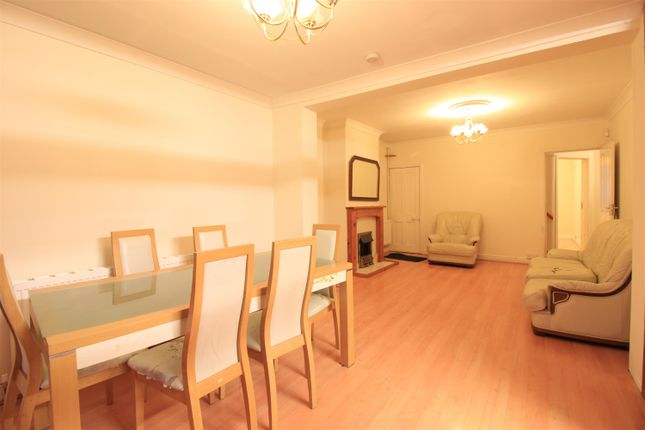 Thumbnail Semi-detached house to rent in Summerhouse Avenue, Heston, Hounslow