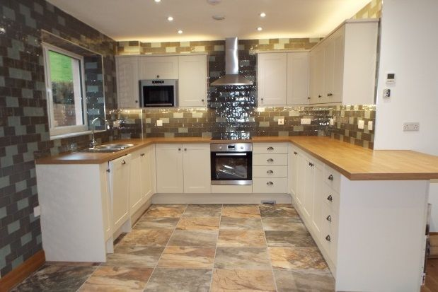 Thumbnail Property to rent in Old Conwy Road, Mochdre