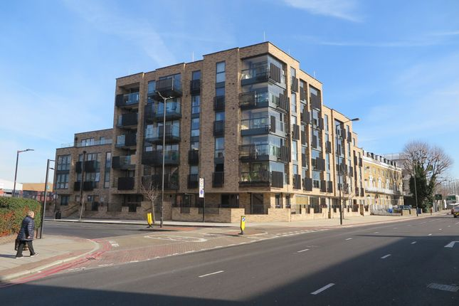 Thumbnail Flat to rent in Old Kent Road, London